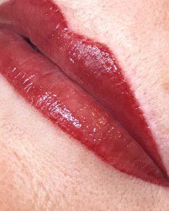 Full-lip-colour
